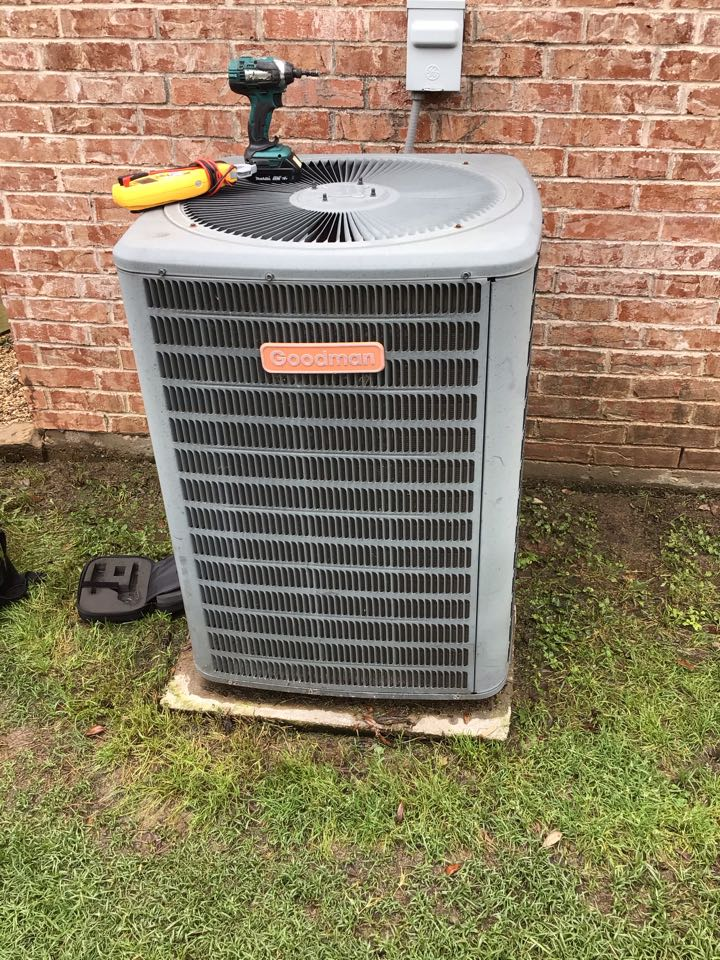 Coppell, TX - Performing a air conditioning tune up on one Goodman system