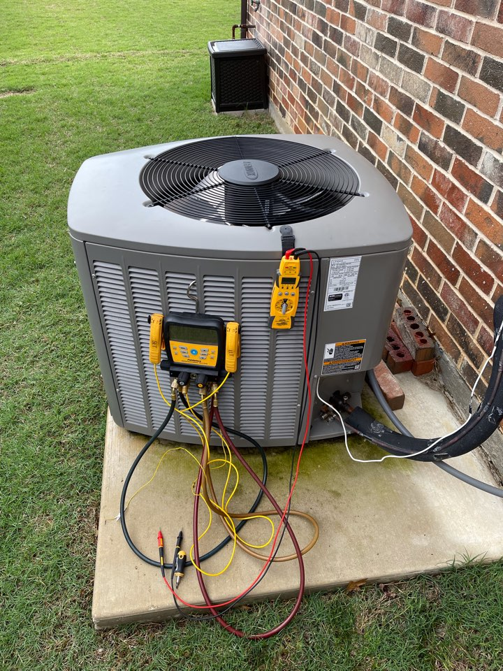 Highland Village, TX - 2 LENNOX Air conditioning maintenance