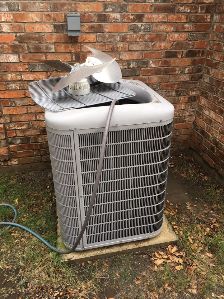 Plano, TX - Washing condenser coils on ac maintenance visit