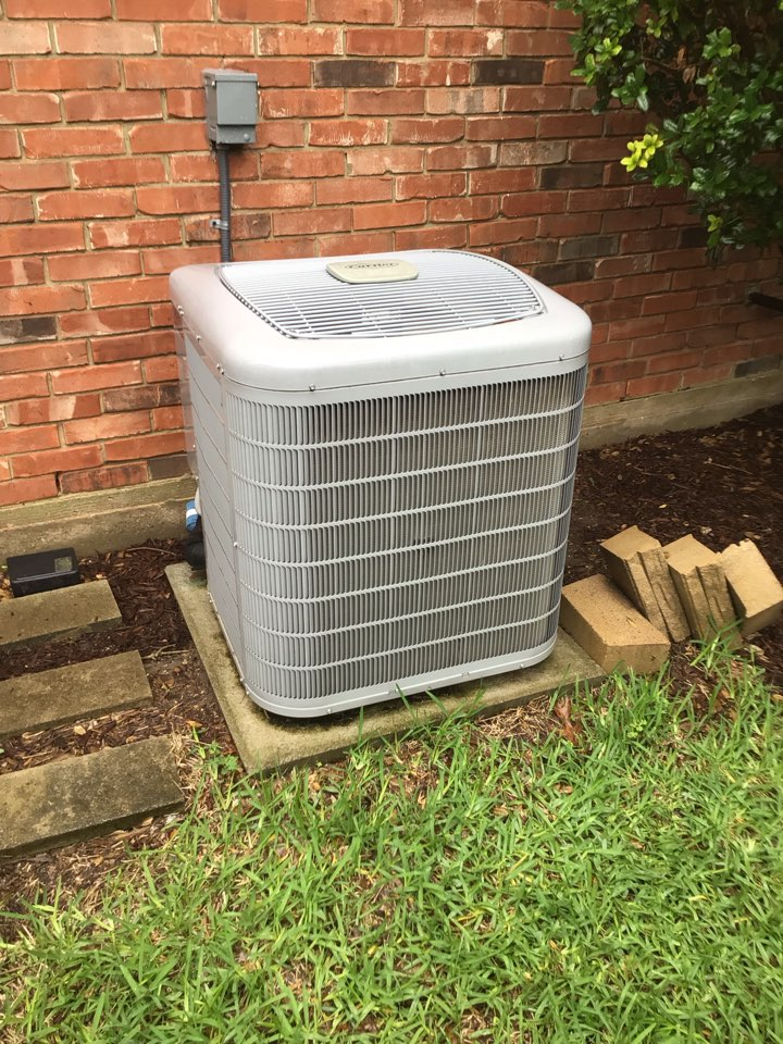 Carrollton, TX - Performing a cooling tune up on two systems