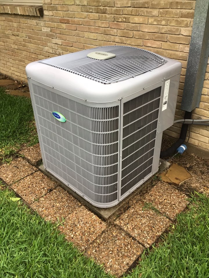 Dallas, TX - Performing a cooling tune up on one system