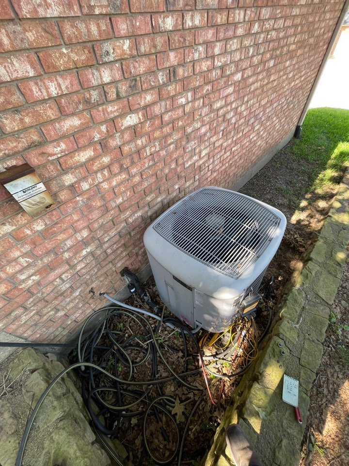 Highland Village, TX - Carrier Infinity air conditioning maintenance