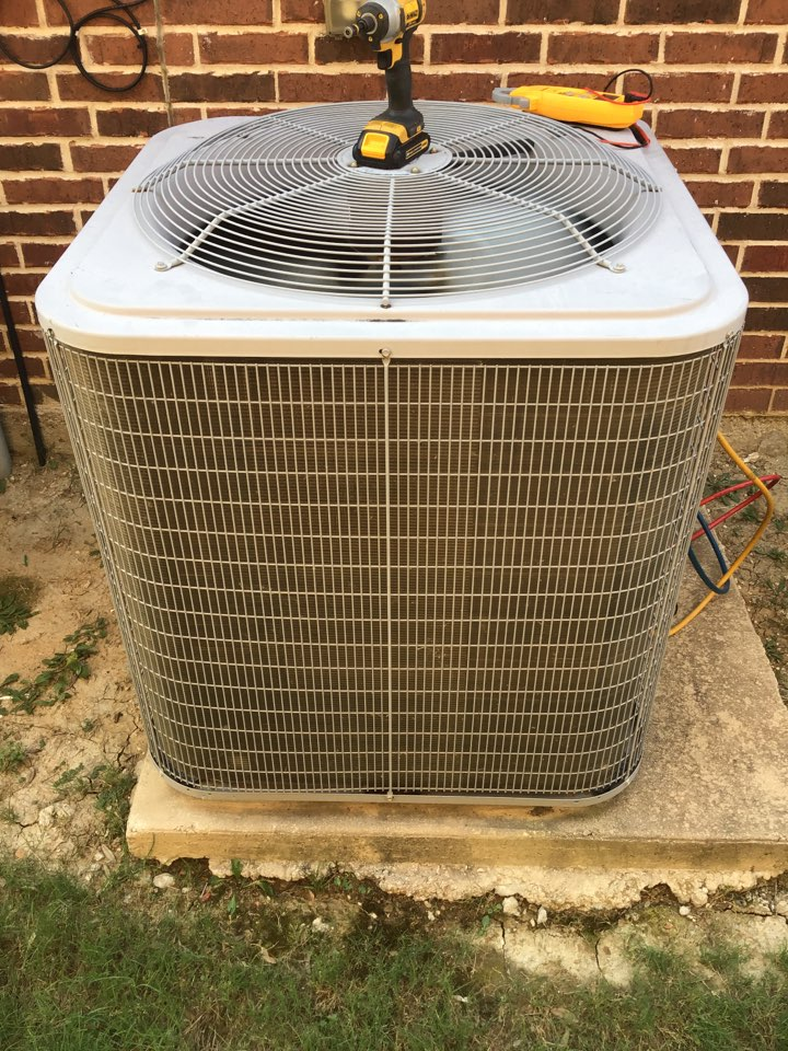 Air conditioning maintenance, AC maintenance, AC tune up, air conditioning company, coil cleaning