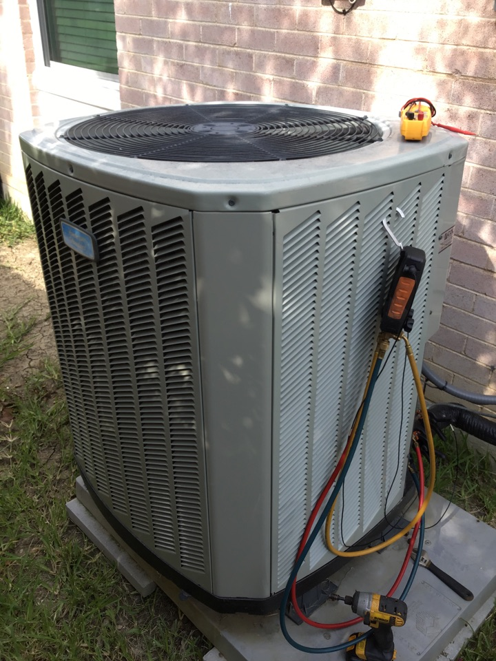 Farmers Branch, TX - Air conditioning maintenance, AC maintenance, AC tune up, air conditioning company, coil cleaning