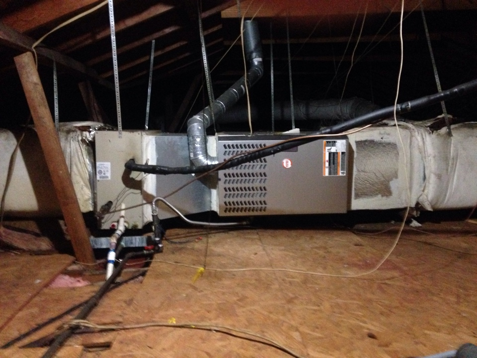 Dallas, TX - Ac Tune up and complete ac maintenance of a Carrier AC and a Payne AC.