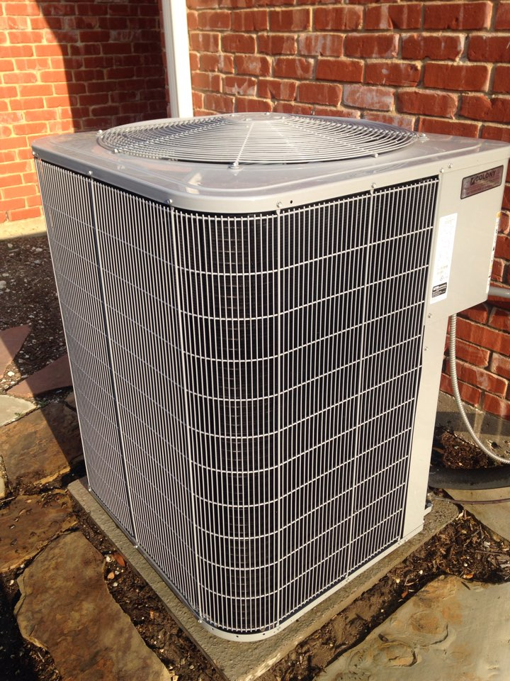 Dallas, TX - Air conditioner Tune up of a Carrier 24ABC660 ac system, in great shape.