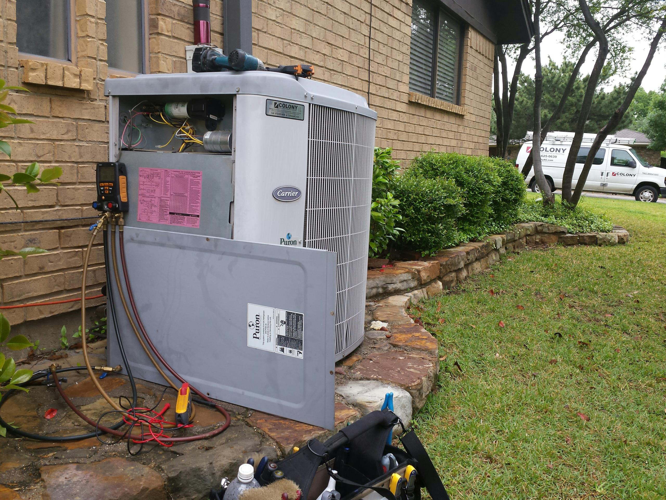 Highland Village, TX - Performing Ac tune up and inspection on a CARRIER AC system.