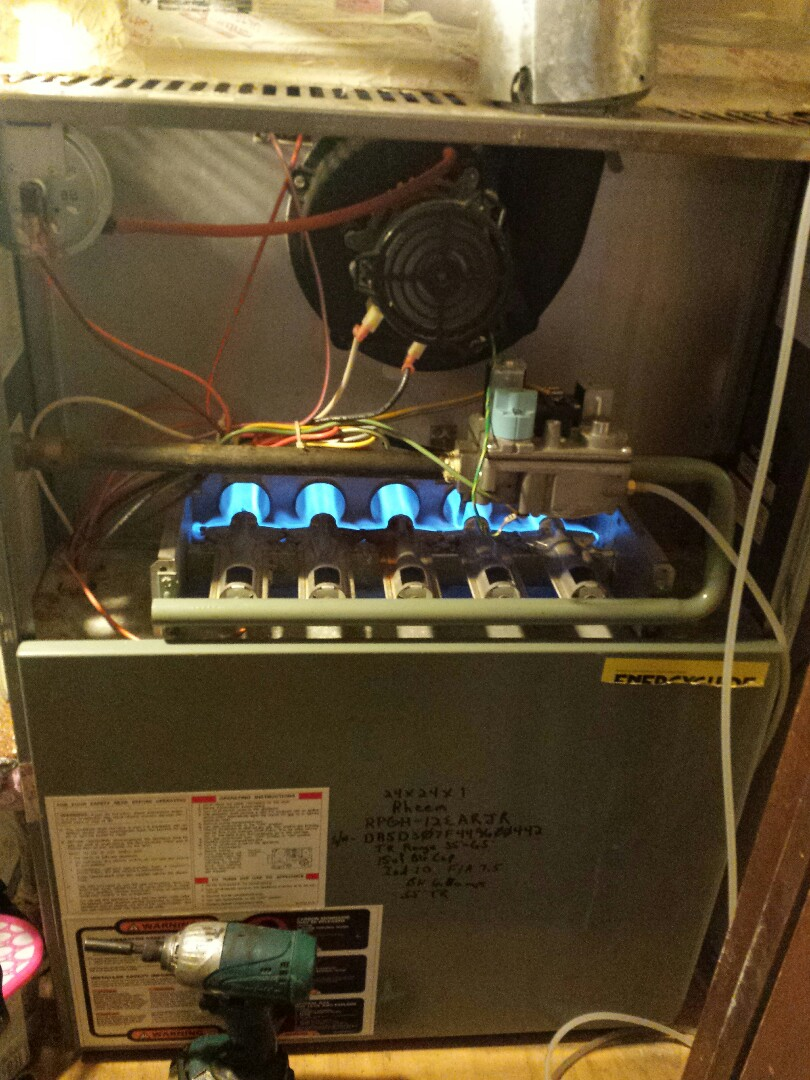 The Colony, TX - I did a minor heating repair and also I'm performing seasonal heating tune up and inspection on a RHEEM gas-fired furnace in The Colony.