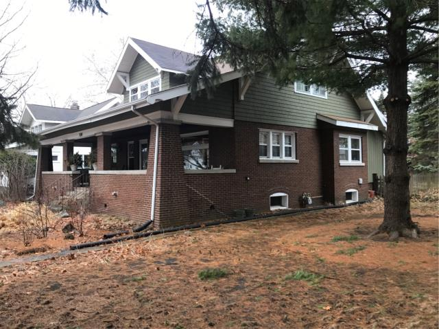 Arlington Heights, IL - Doing an evaluation of the front exterior brick porch for grinding and tuckpointing for a homeowner in Arlington Heights, IL.