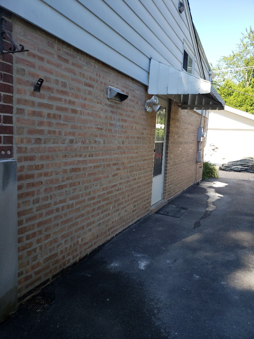Highland Park, IL - Tuckpointing job in progress Please call us for quote