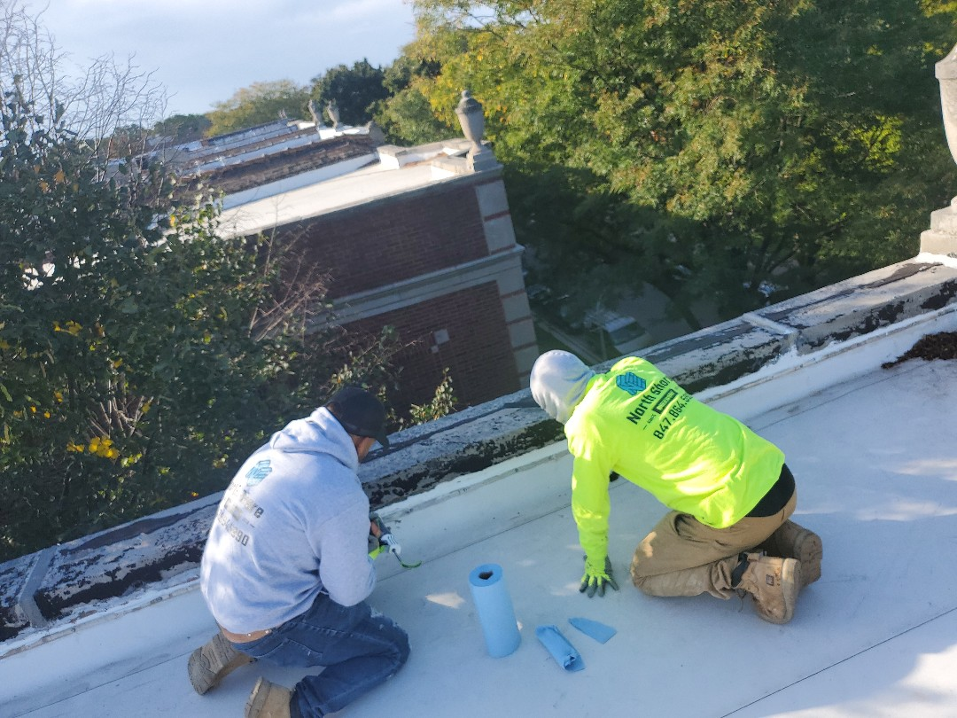 Chicago, IL - Leak problems ?? Call us we fix it caulk,tuckpointing,termination bar replace call NSBW