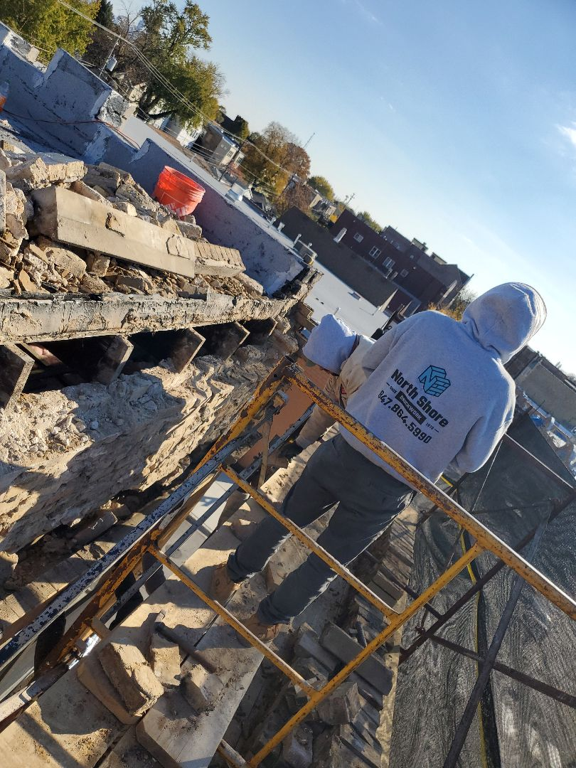 Chicago, IL - Parapet repair call NSBW for any masonry needs