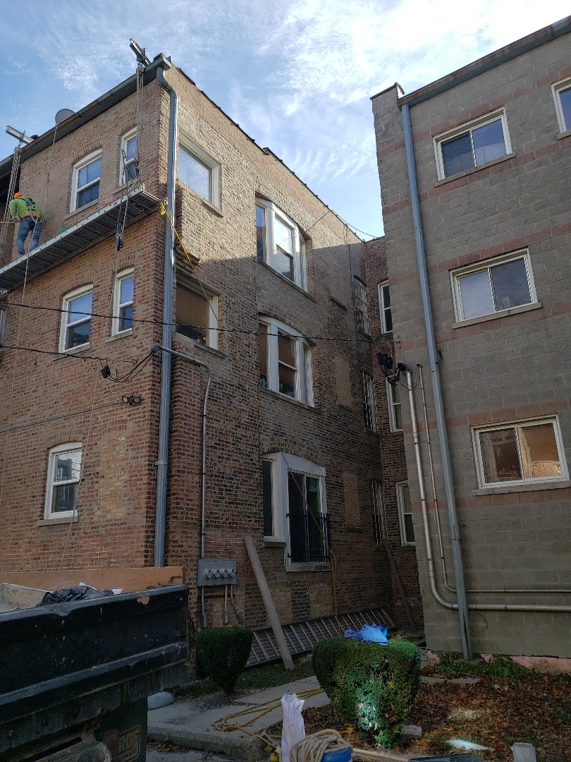 Chicago, IL - Grinding out, Tuck pointint and brick work