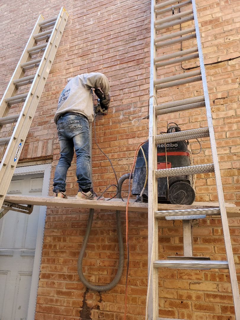 Chicago, IL - Grinding and tuckpointing call NSBW for any masonry needs