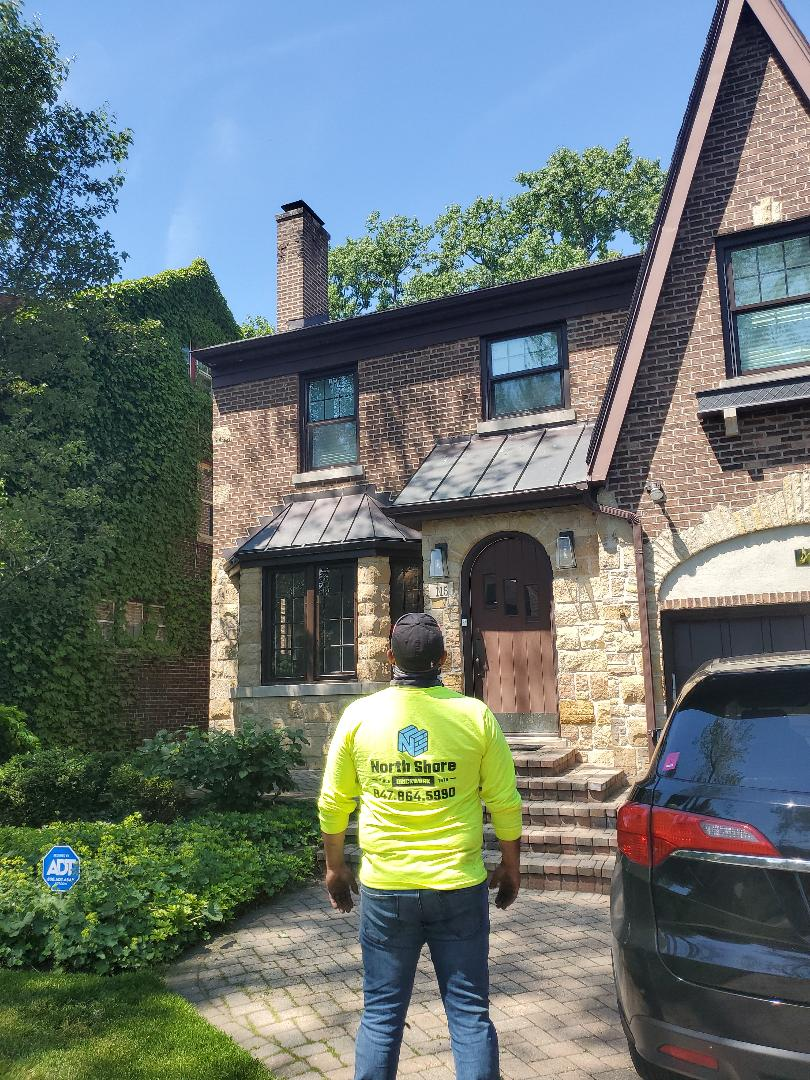 Wilmette, IL - Inspection of chimney leaks call NSBW for any masonry repairs