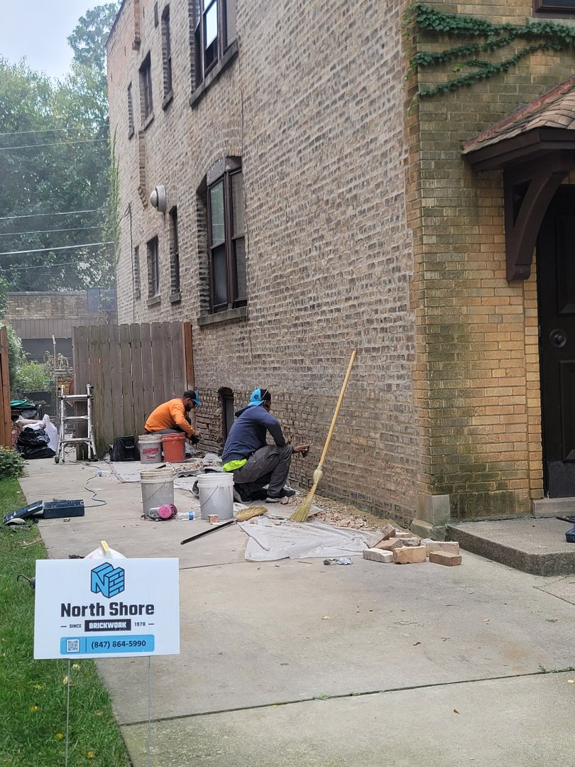Grinding out and Tuckpointing by North Shore Brickwork.