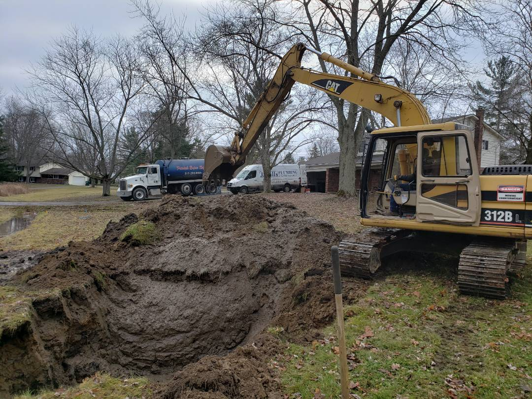Howell, MI - Excavate new main water line.  Tap onto city water  Water pipe excavation
