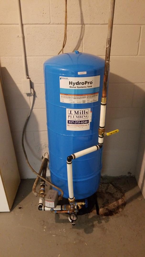 Howell, MI -  Plummer need blue tank  Install well tank