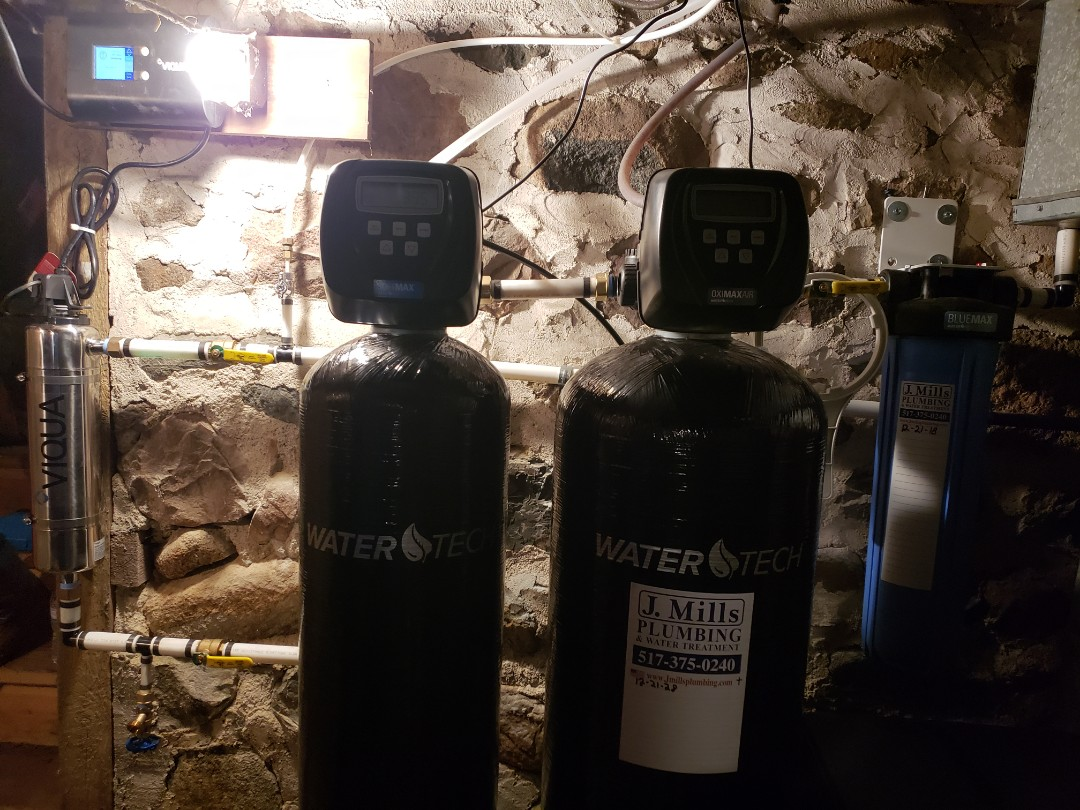 Fowlerville, MI - Rusty water. Smelly water. Install new water filtration system iron filter water softener reverse osmosis
