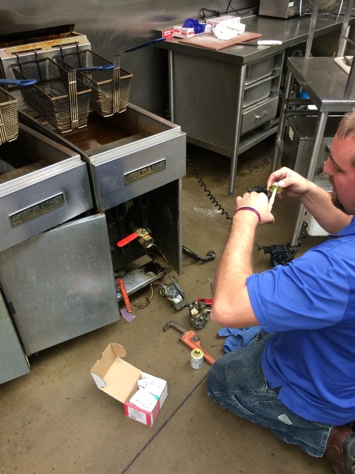 Tupelo, OK - Commercial fryer not working. Fryer repair.