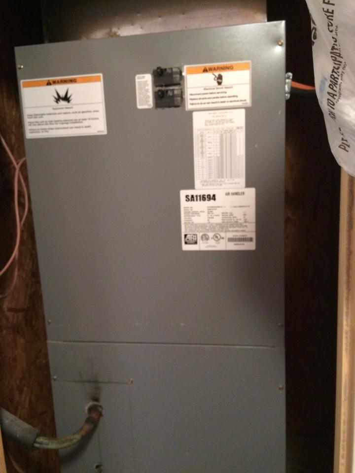 Tupelo, OK - Maintenance on heat pump system.