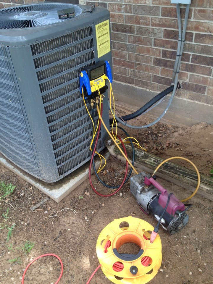 Gainesville, TX - Replacing evaporator coil! Keeping people cool an saving them money!
