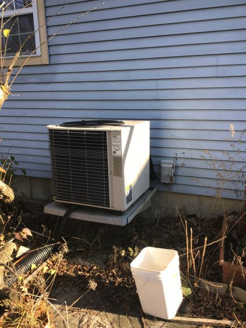 Worthington, OH - Tuneup and safety check on Lennox AC. No issues found at this time.