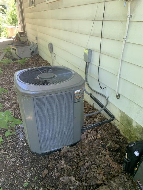 Worthington, OH - Found Trane AC low on refrigerant. Due to age and cost of repair, recommend replacement. Gave customer quote on new system.