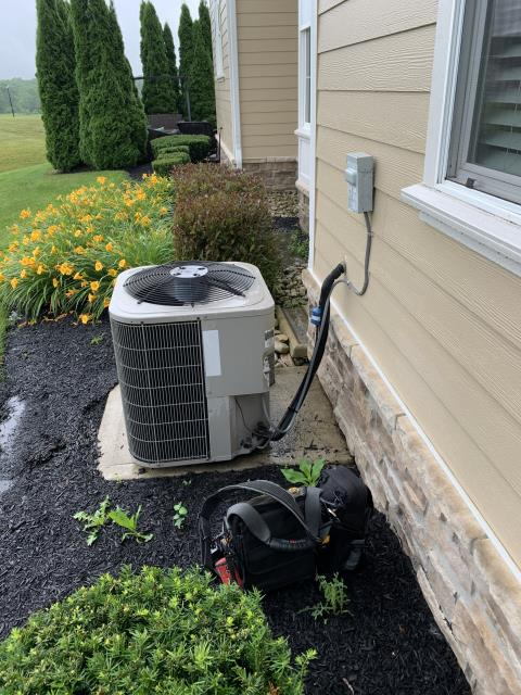 Sunbury, OH - Tuneup and safety check on customer 2009 Bryant Air Conditioner . System is cooling properly at this time.