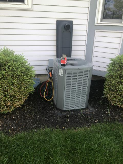 Hilliard, OH - Performing our Five Star Tune-Up & Safety Check on a 2003 Trane  . All readings were within manufacturer's specifications, unit operating properly at this time.