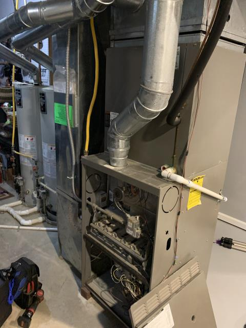 Lewis Center, OH - Performing our Five Star Tune-Up & Safety Check on a 2007 Lennox  . All readings were within manufacturer's specifications, unit operating properly at this time.