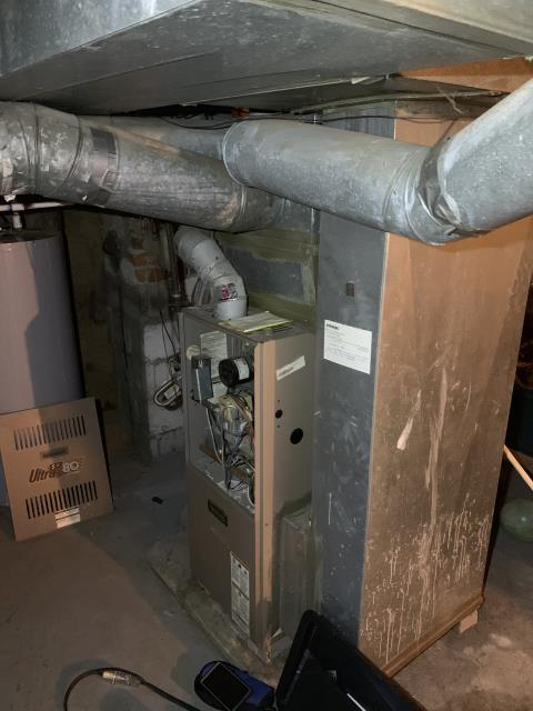 Columbus, OH - I Performing our Five Star Tune-Up & Safety Check on a 1997 Armstrong  Gas Furnace . All readings were within manufacturer's specifications, unit operating properly at this time.