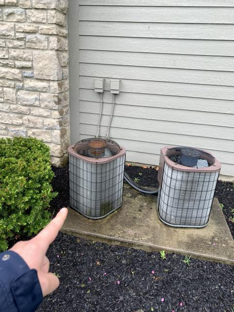 Hilliard, OH - Client requested an estimate to replace a Cobra gas furnace and an ICP air conditioner.  I recommend replacing it with a Carrier 80% 45,000 BTU Gas Furnace and a Carrier 13 SEER 2 Ton Air Conditioner.  Included in the estimate is a 1 year free service maintenance agreement.