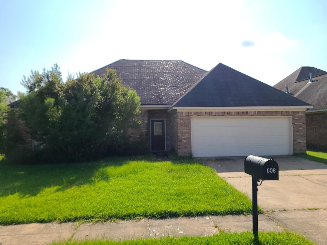 Brandon, MS - Roof leak, storm damage, leaks, GAF, Complete Exteriors, Gutters, LeafBlaster
