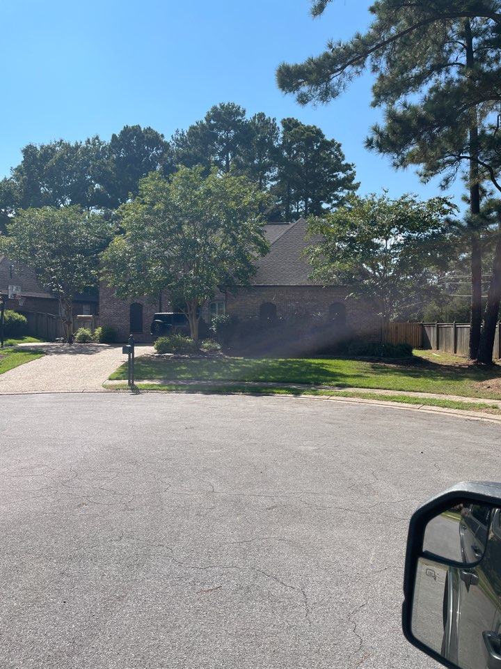 Brandon, MS - Checking on this poor roof! GAF Roofing