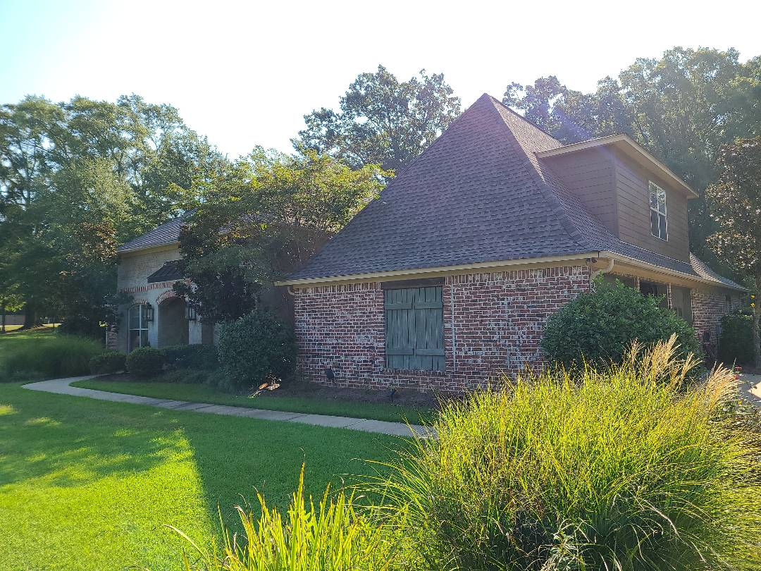 Brandon, MS - Roof inspection, GAF, Gutters, storm damage, LeafBlaster