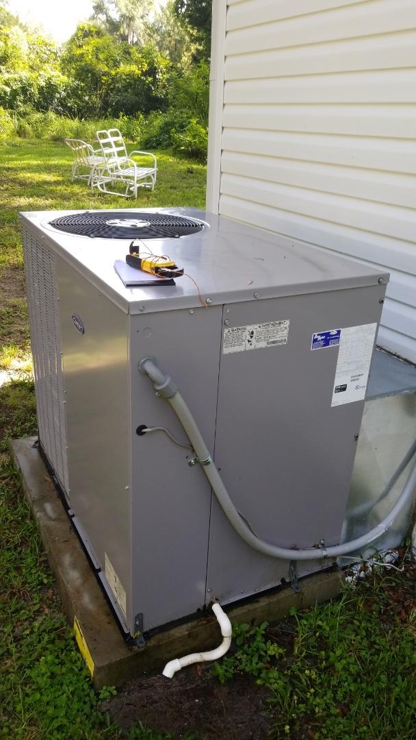 Crystal River, FL - Check up on a carrier 3.5 ton heat pump ac pkg unit