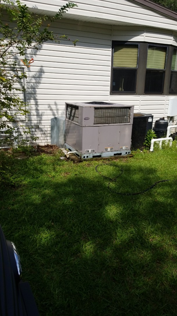 Lecanto, FL - Check up on a carrier 3.5 ton heat pump ac system