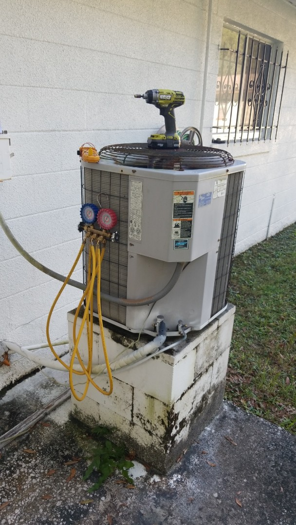 Crystal River, FL - Check up on a carrier 3ton ac with strip heat