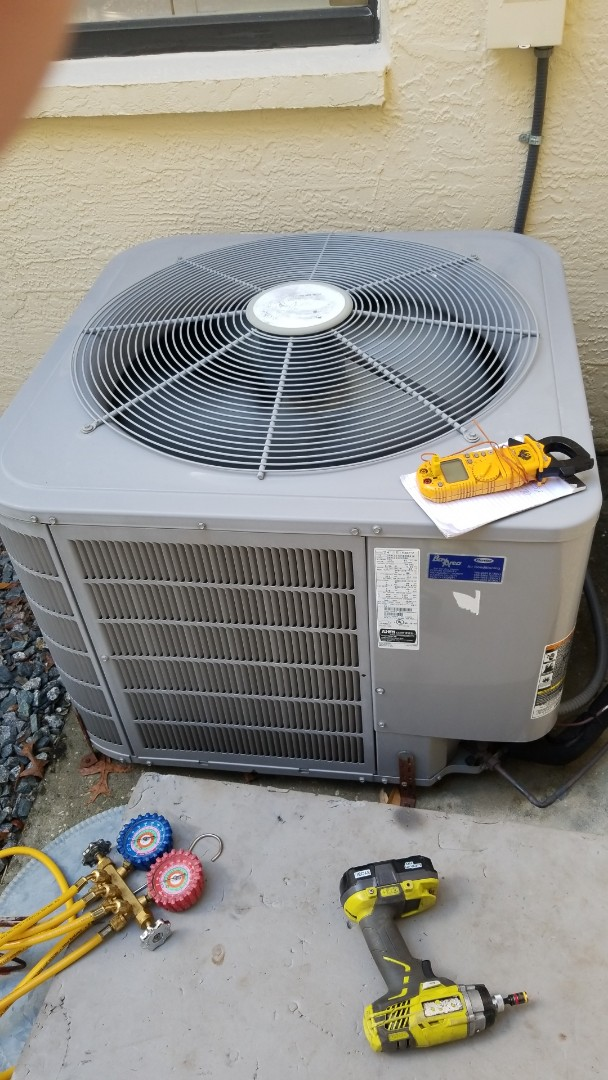 Lecanto, FL - Check up on a 3.5ton carrier heat pump ac system