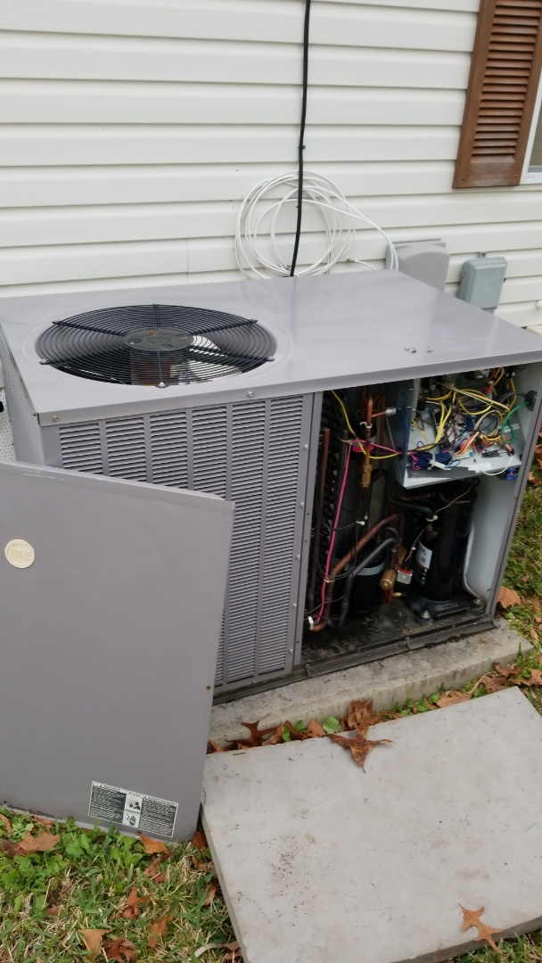 Homosassa, FL - Check up on a 3ton carrier heat pump ac pkg unit