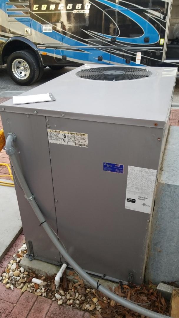 Homosassa, FL - Check up on a carrier 4ton heat pump ac pkg unit with strip heat
