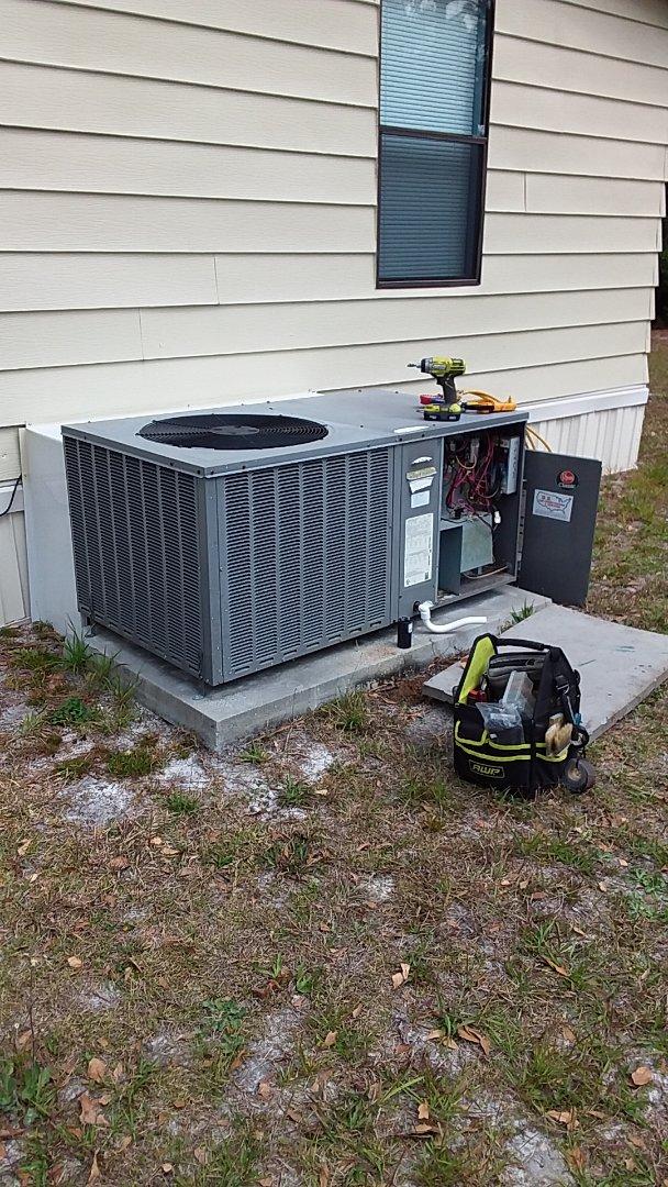 Homosassa, FL - No cool on a rheem 3 ton heat pump pkg unit