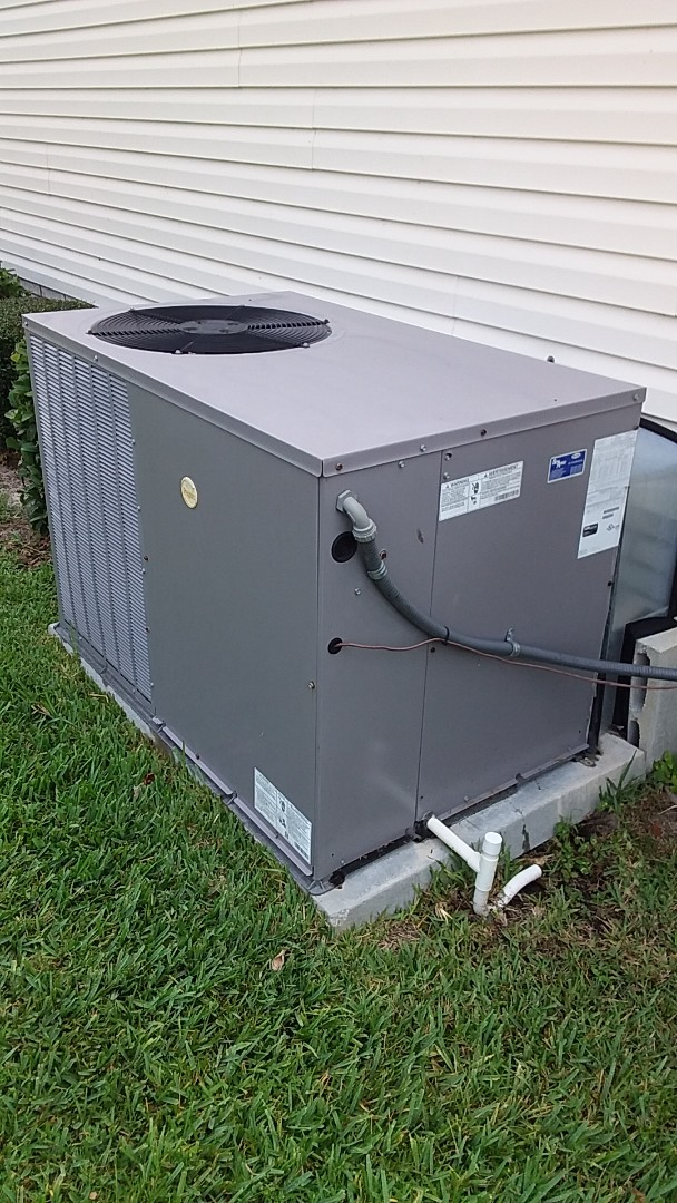 Lecanto, FL - Check up on a Payne 3.5 ton ac pkg unit with strip heat