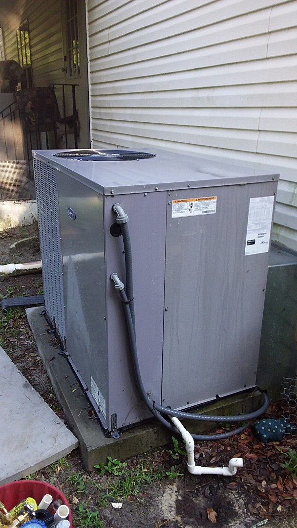 Homosassa, FL - Check up on a carrier 4 ton ac pkg unit with strip heat