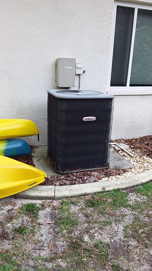 Homosassa, FL - Check up on a 5 ton Lennox heat pump ac system