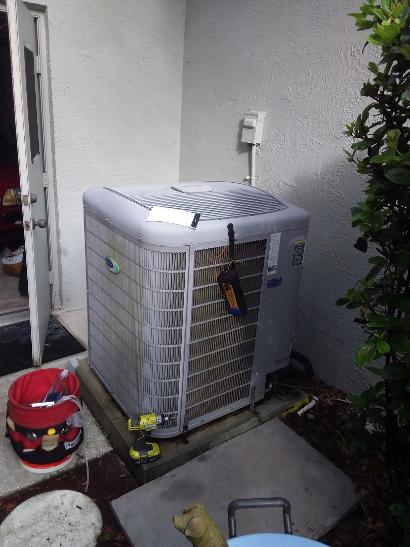 Hernando, FL - Check up on a carrier 5 ton infinity heat pump ac system