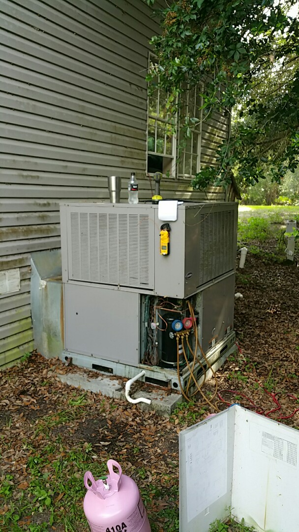 Inglis, FL - Repair ac coil leak and evacuate and recharge 5 ton carrier heat pump package unit