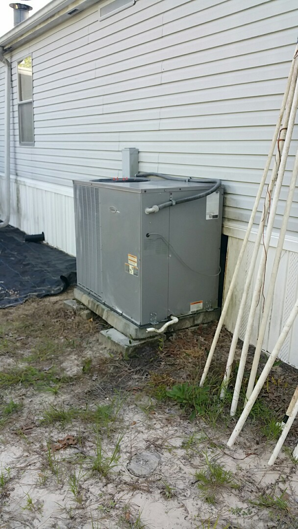 Beverly Hills, FL - Noisy outdoor ac cond motor on a 5 ton carrier pkg heat pump replaced od motor and ordered new fan blade