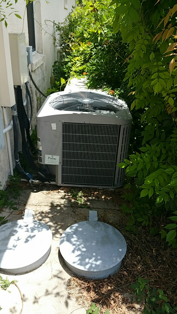 Homosassa, FL - No cool on a 4 ton carrier ac system, adjust charge and quoted new carrier equipment